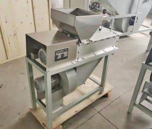 Dry Type Peanut Peeling Machine for Mali Customer